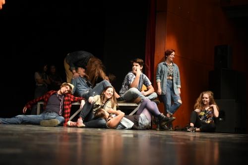 Képzelt riport egy amerikai popfesztiválról musical - Budapest
